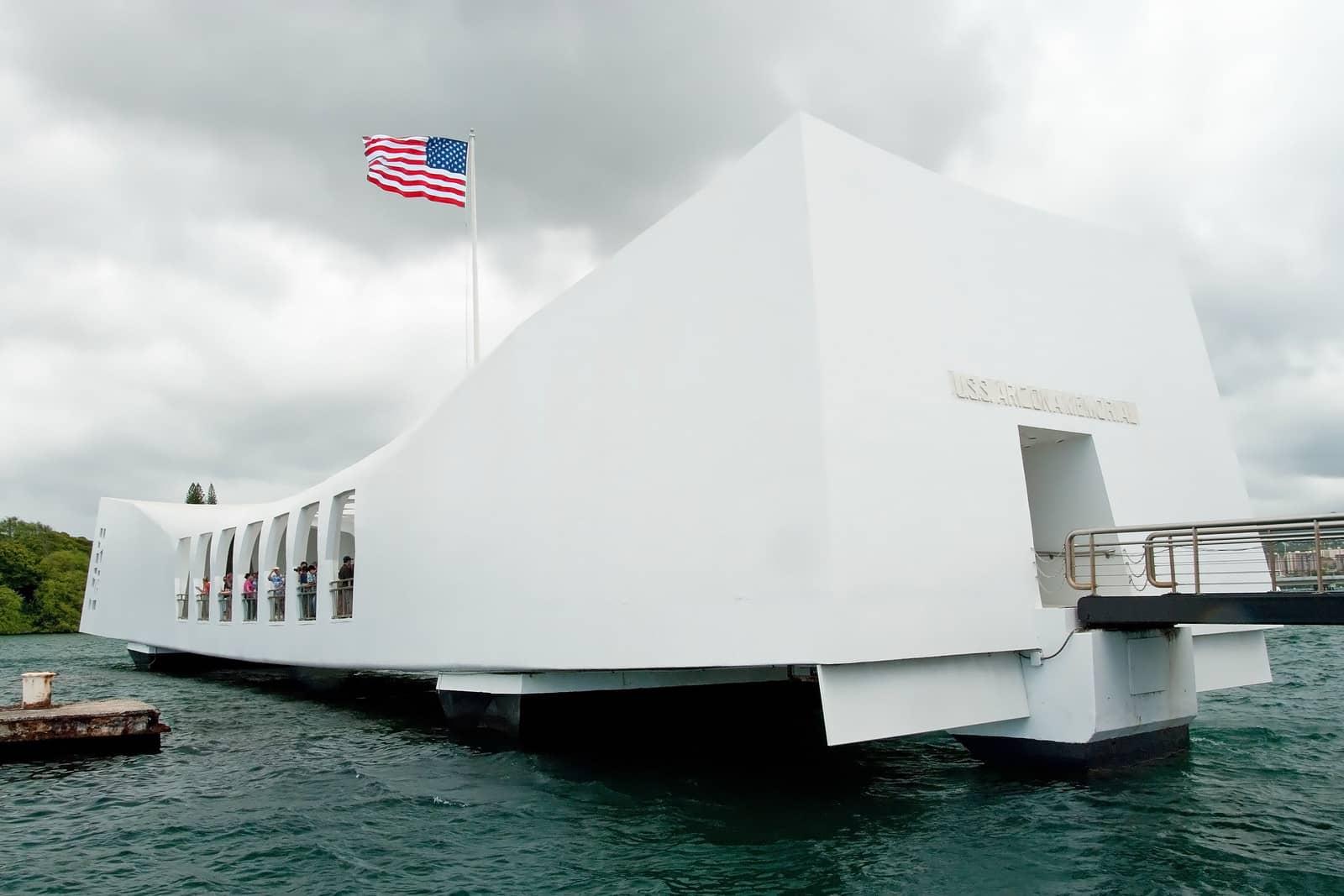 Pearl Harbor Private Tour by Jeep, SUV or Mini Coach - Pearl