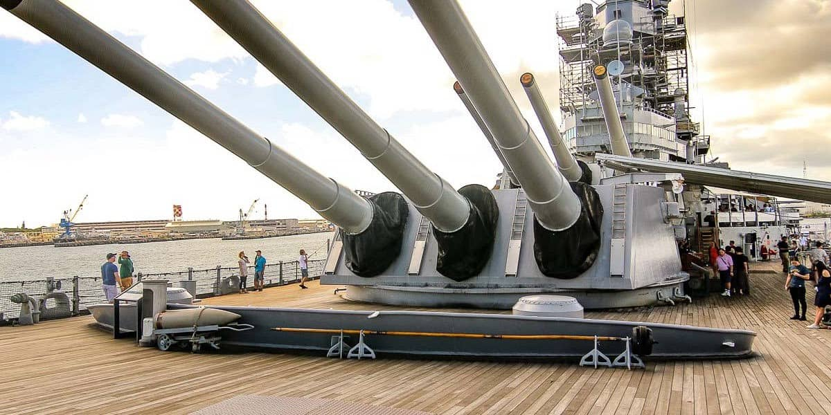 USS Missouri Deck Guns