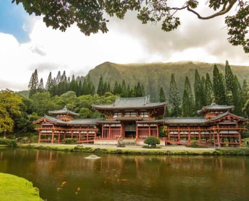 Byodo InTempleinMountains