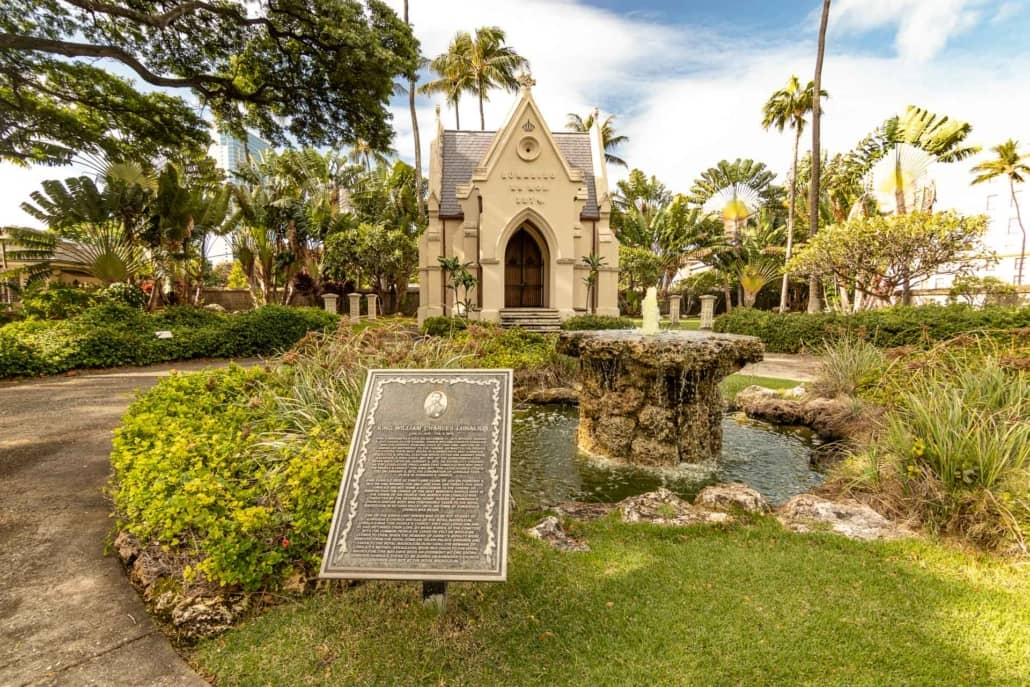 Hawaiian King Lunalilo Mausoleum and Fountain Honolulu