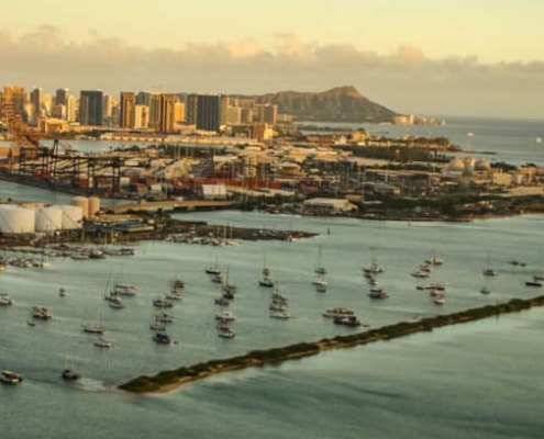Honolulu-harbor-oahu-1030x687