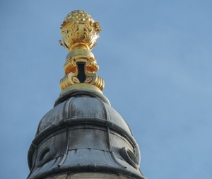 Gold Pineapple St Paul's Cathedral London dun.can image